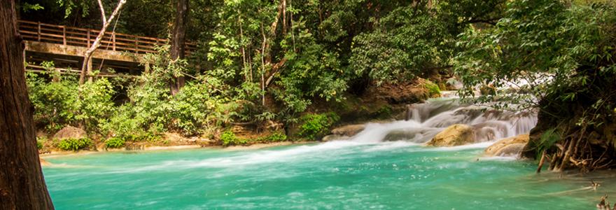 Vue des cascades d'El Chiflon